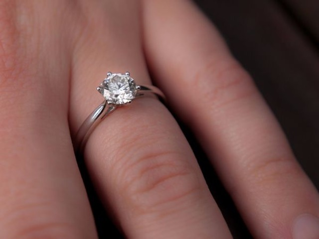 Engagement Rings Online At Busy Bee Jewelry