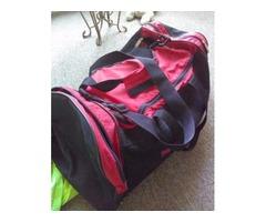 Nice travel bag with extra pockets plenty of room