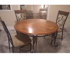 Couche Loveseat dining room table Coffee table and inn tablrs