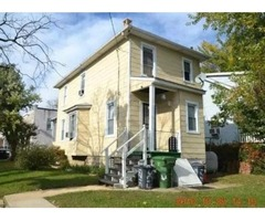 Move-in-condition DETACHED home on corner lot