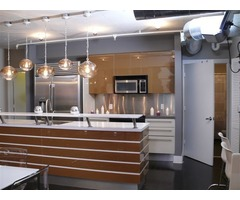 Add a touch of class to your interiors with a glass backsplash paint | free-classifieds-usa.com