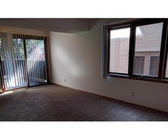 Large 2BR 1.75BA Near UNL & Downtown with Private Laundry and Balcony