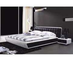 Elegant Contemporary Queen bed in black & White
