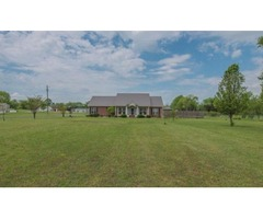 3br 2ba on Over 5 Acres