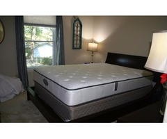 Almost new Platform queen size  bed with Dresser