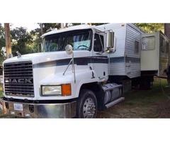 1999 Fleetwood Mallard Mounted On A 1999 Mack 613 Semi Truck For Sale