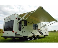 2010 KEYSTONE PASSPORT ULTRALITE HAS TUB/SHOWER COMBO