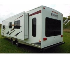 2010 KEYSTONE PASSPORT ULTRALITE w/PRIVATE BATH
