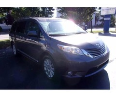 2O11 Toyota Sienna XLE AWD Luxury Mini Van