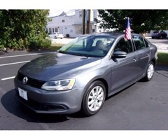 2O11 Volkswagen Jetta S.E. sedan/ALL CREDIT IS APPROVED