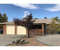 7814 Pioneer Trl NE, Albuquerque, NM 87109