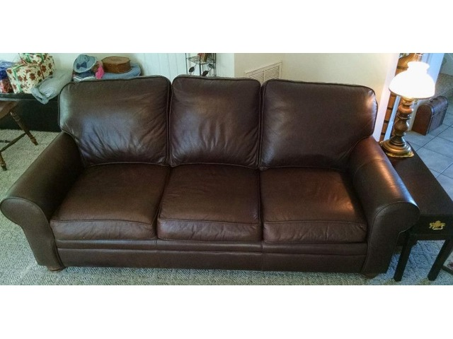 Dark Brown Leather Queen Couch/Bed | free-classifieds-usa.com