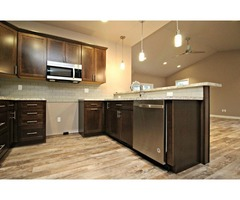Stunning 2 bed, 2 bath luxury town home with gorgeous modern finishes