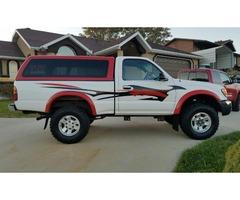 Hot 2000 toyota tacoma 4WD