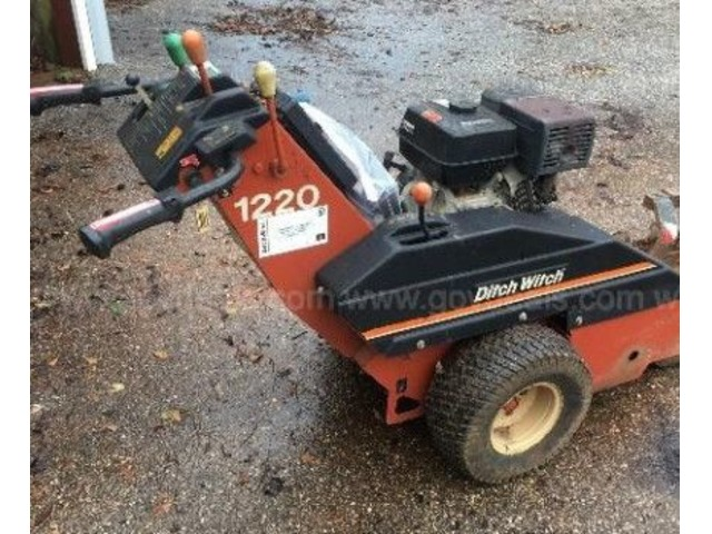 1220DitchWitchTrencher