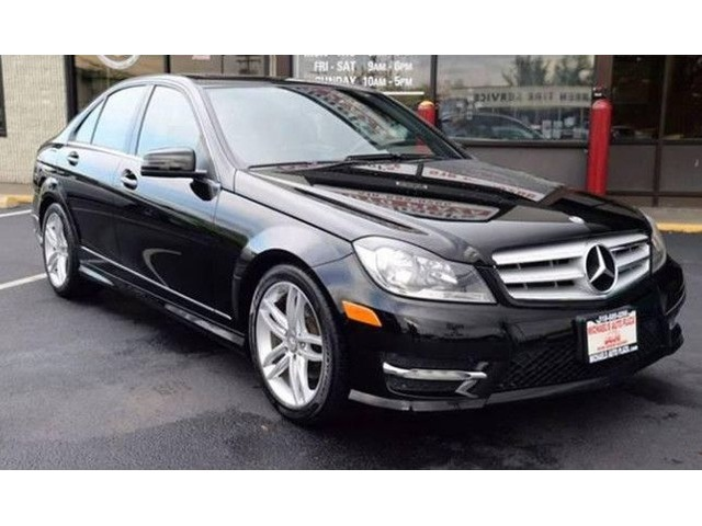 Superb 2012 Mercedes Benz C Class AWD C300 Luxury 4MATIC 4dr W/Clean Carfax