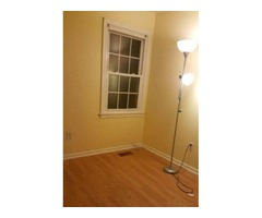 1 Nice Small Room For Rent