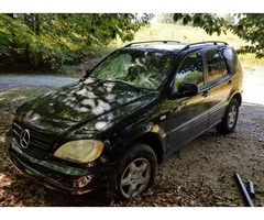 2001 Mercedes MB/ Wrecked