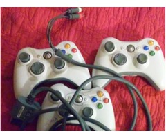 3 Xbox controllers