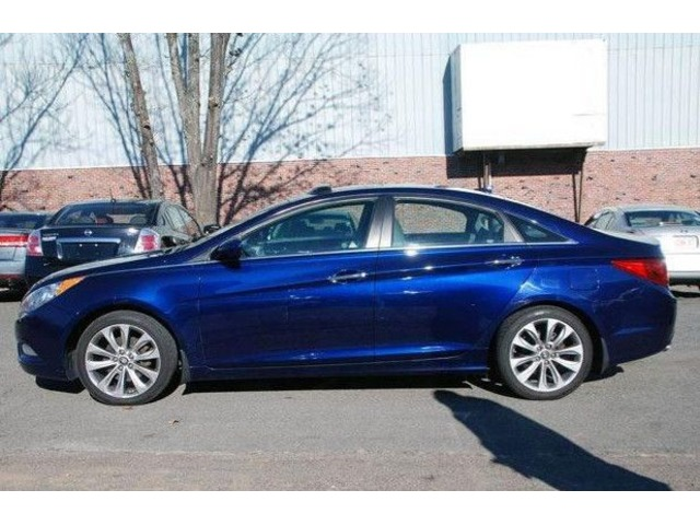2012 hyundai sonata se 2 0t 4dr sedan cars saugus massachusetts announcement 83885. Black Bedroom Furniture Sets. Home Design Ideas