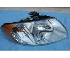 Dodge Caravan Chrysler Town & Country Headlight