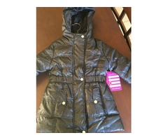 Brand new spray-foil puffer jacket for girl's size 4 VERY NICE