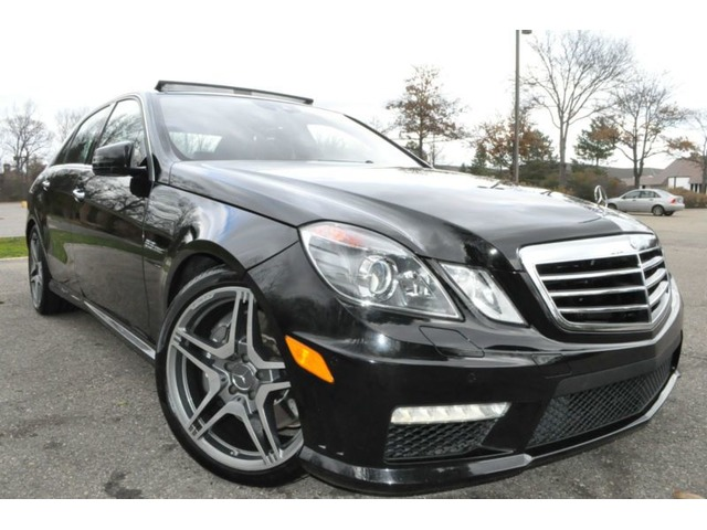2010Mercedes-BenzE-ClassE63AMG-EDITIONSedan4-Door