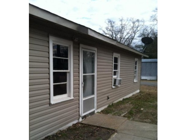 3bd 1ba house with carport houses apartments for rent west