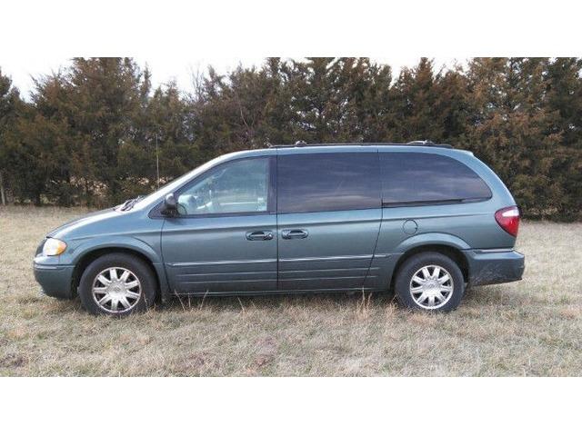 2005 Chrysler Town Country Touring Edition Mini Van