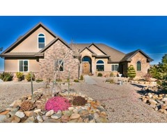 Ranch style home on 2.5 acres with barn